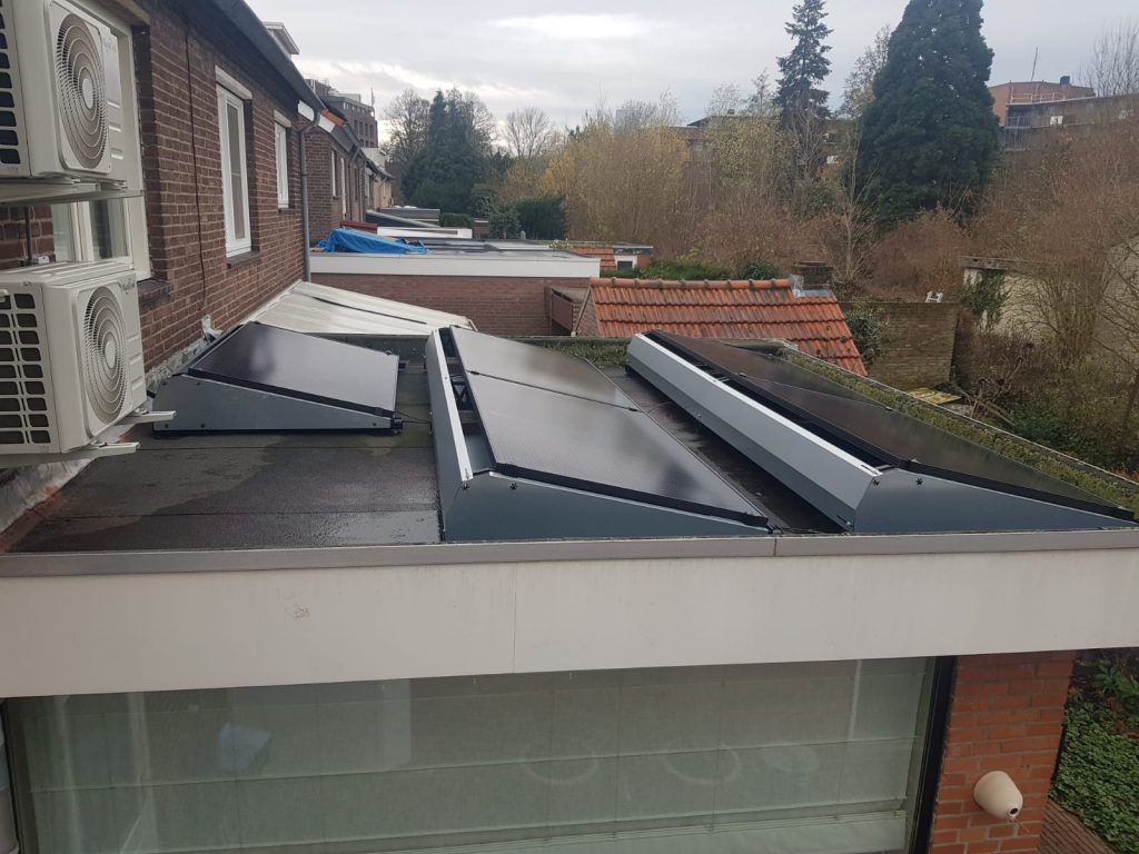 Zonnepanelen Sittard op een plat dak
